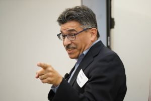 Steve Padilla, Los Angeles Times Column One editor, teaches during the 2019 Pro Tips writing workshop.